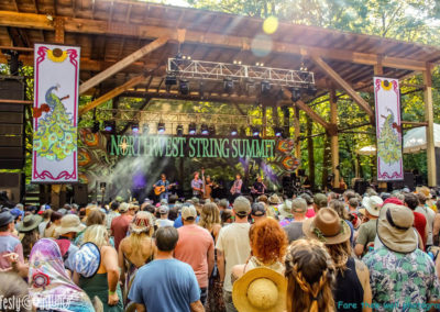 Northwest-String-Summit-2019-Infamous-Stringdusters-main-stage