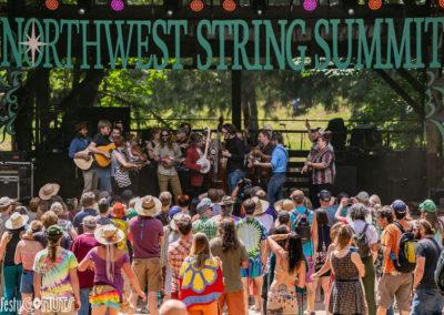 Northwest-String-Summit-2019-group-jam