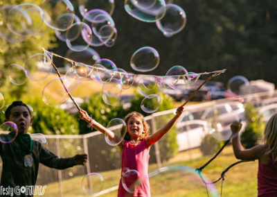 Northwest-String-Summit-2019-kids-with-bubbles