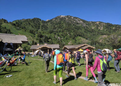Outbound-Pursuit-2019-group-heading-on-hike