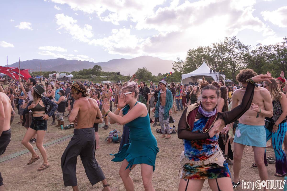 Sonic Bloom 2019 crowd dancing