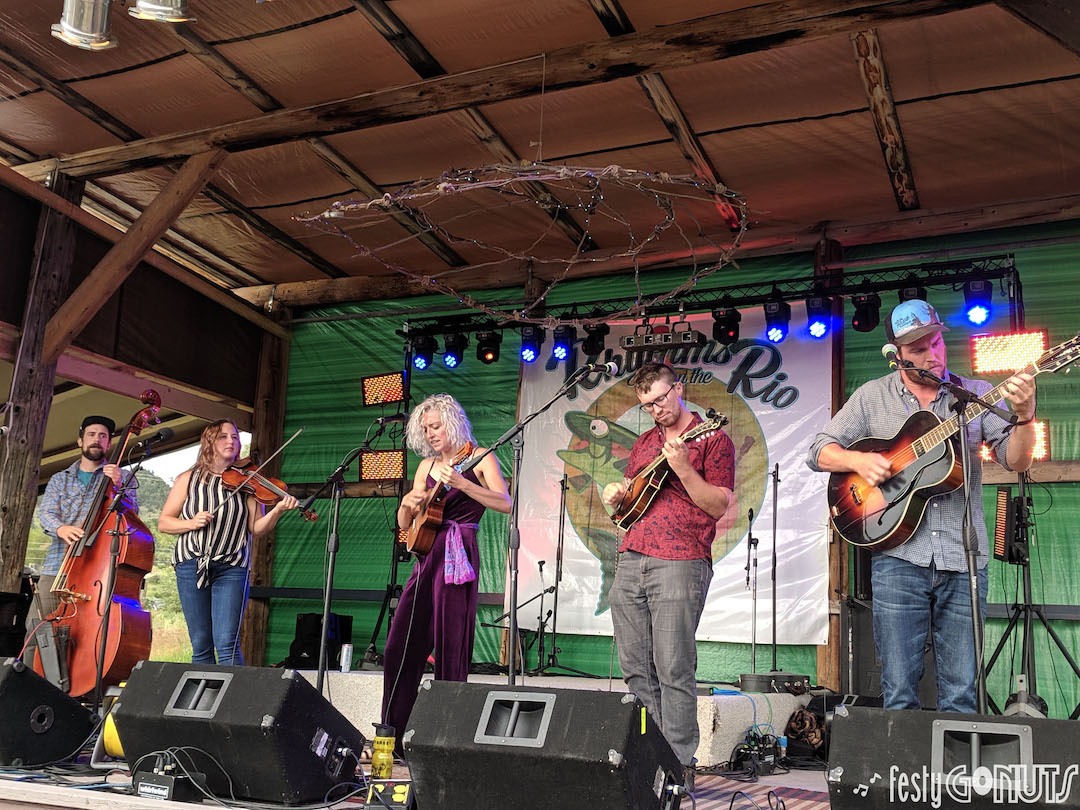 Pixie and the Partygrass Boys: Rhythms on the Rio