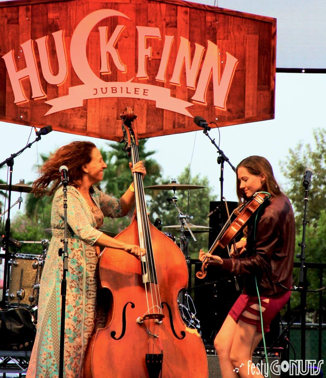Huck Finn Jubilee 2019 | The Sweet Lillies