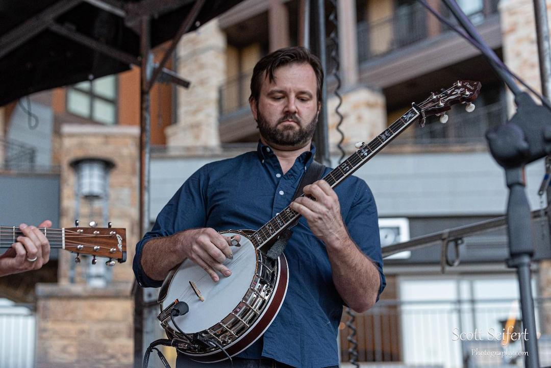 Ryan Cavanaugh banjo player | Scott Seifert Photography